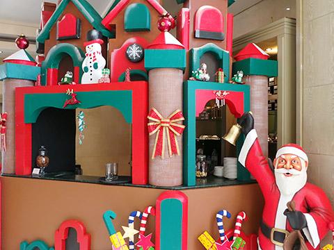 Santa in Dubai