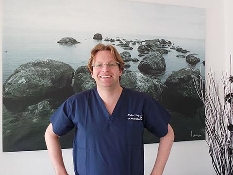 Dr. Maximilian Riewer