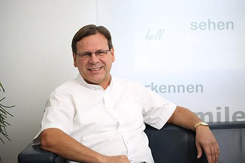 Dr. Bertram Meyer