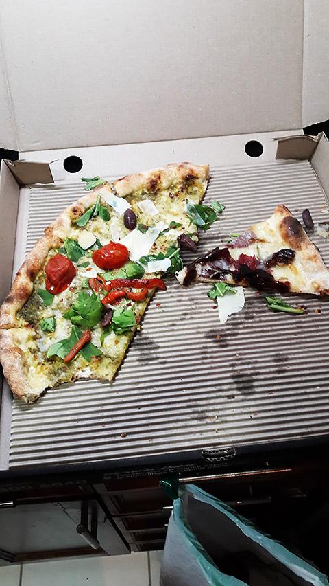 Kalte Pizza beim Umzug