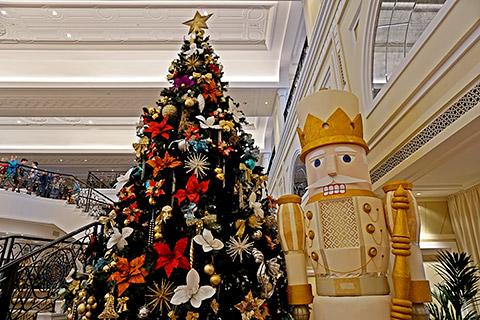 Weihnachtsbaum und Nussknacker