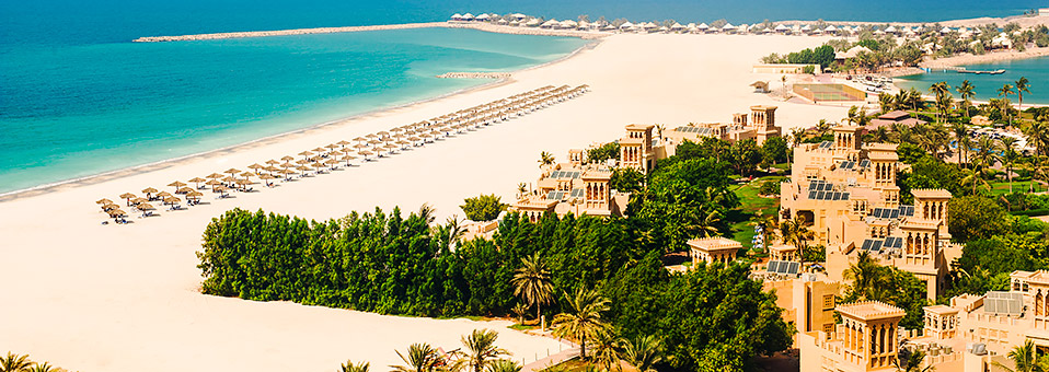 Das Hilton Al Hamra Beach & Golf Resort