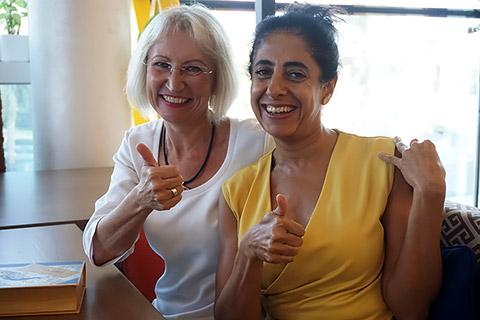 Barbara Jackle und Irina Sharma
