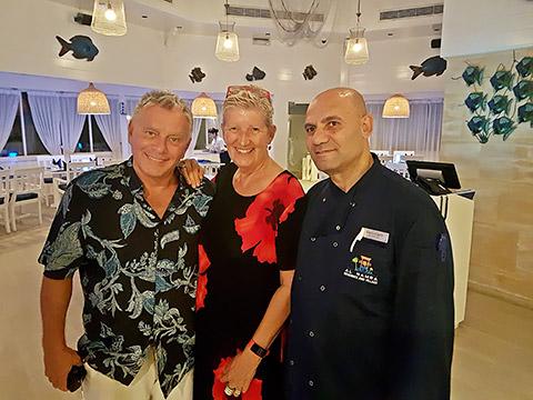 Chef Khaled mit Uschi und Thomas