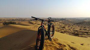Biking in der Wüste
