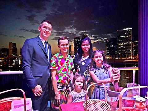 Familie Obermann mit Chef Anan