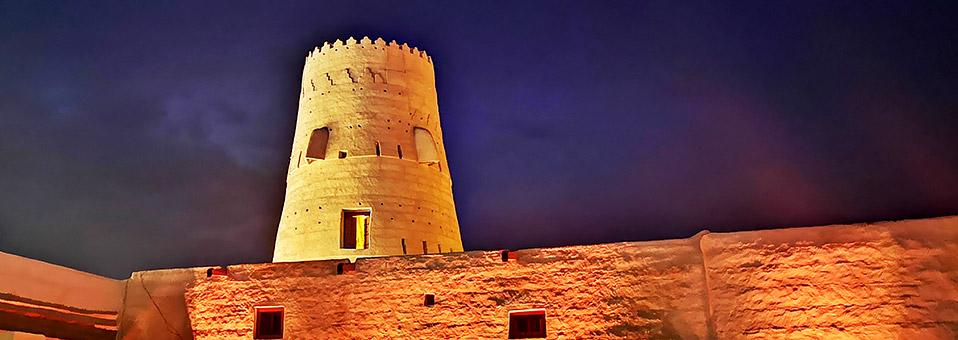 Kunst im alten Dorf von Al Jazirah Al Hamra