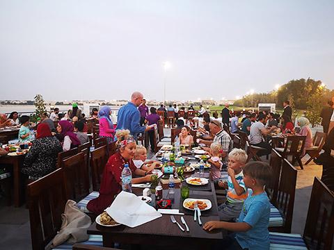 Iftar auf der Terrasse