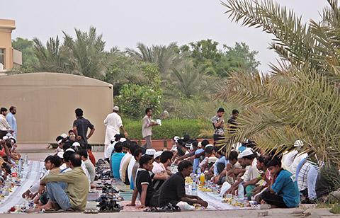 Iftar für Bedürftige